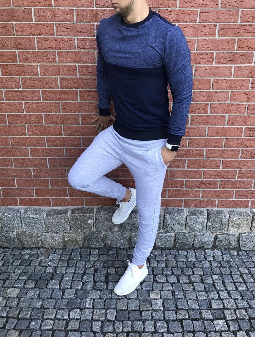 Спортивный костюм с брюками светло-серого цвета