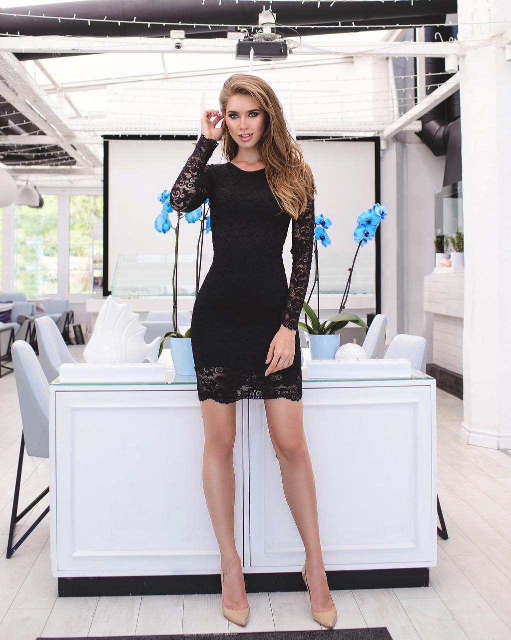 Черное гипюровое платье  с длинными рукавами