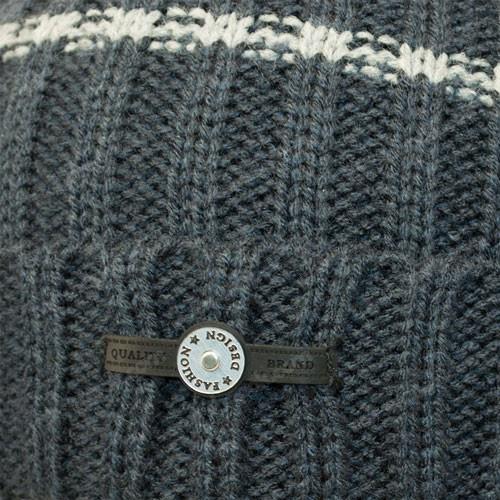 Вязанная шапка и хомут