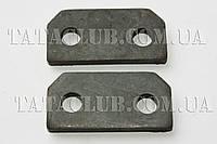 Пластина стопорная пальца передней рессоры (613 EI,613 EII, 613 EIII) Индия
