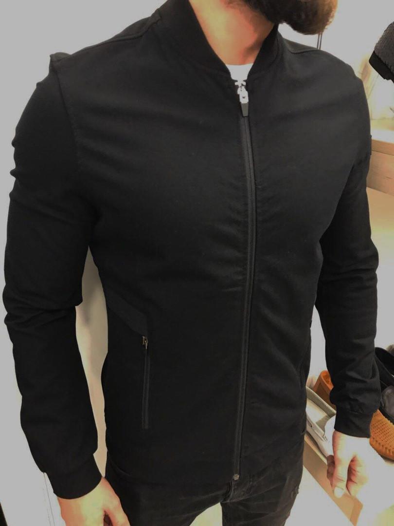 Бомбер мужской черного цвета