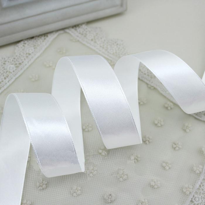 Лента атласная белая 6 мм