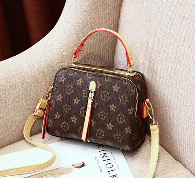 6c87b6b2d05f Женская мини сумочка, цена 646,85 грн., купить Дніпро — Prom.ua (ID ...
