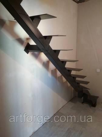 Лестница  на  монокосоуре в квартиру, дом, дачу.