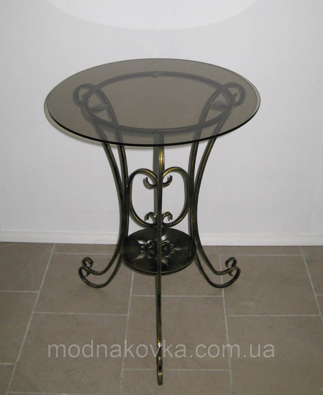 Стол 04 со стеклом большой