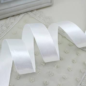 Лента атласная 001 белая 6 мм