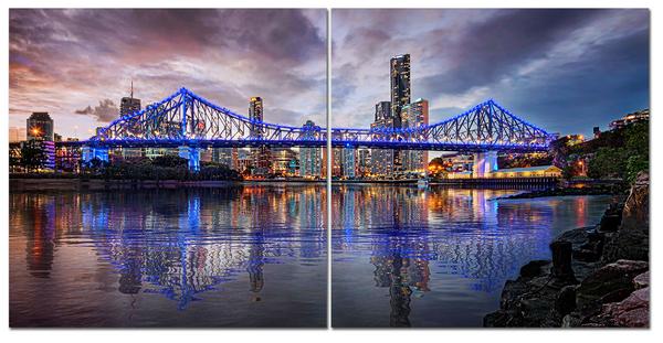 """Картина на стекле """" Мост с синими фонарями"""""""