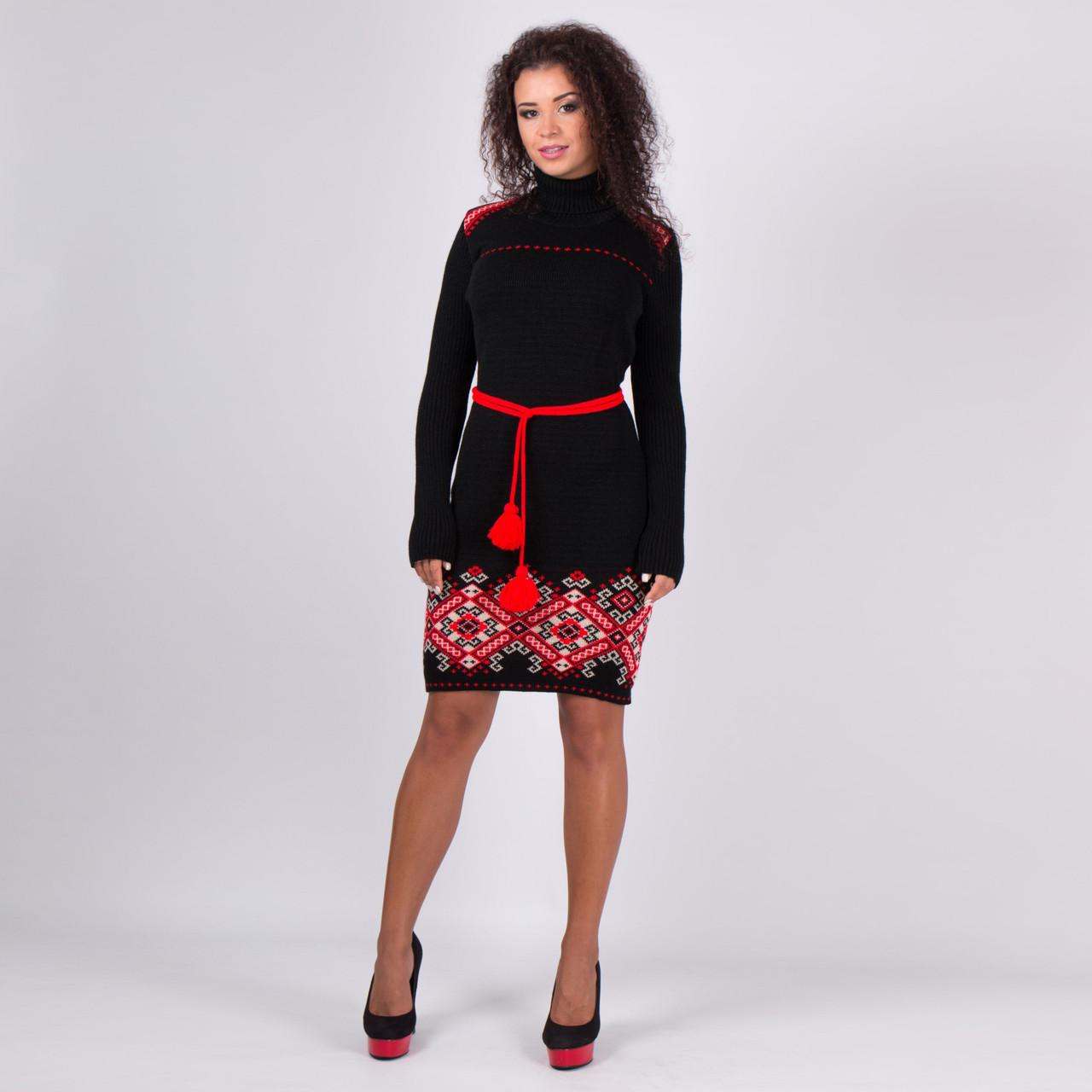 Вязаное платье вышиванка Иванка с алым орнаментом