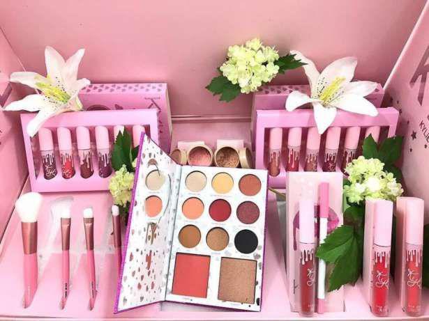 Подарочный набор косметики KYLIE I WANT IT ALL (розовый)