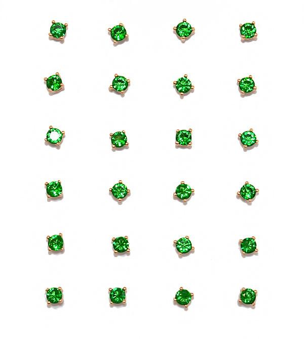 Серьги - гвоздики,12 пар, фирма Xuping.Камни: зеленый циркон. Цвет: позолота. Диаметр серьги 3 мм.