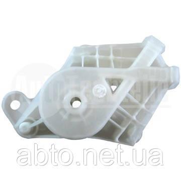 Крышка ролика правого стеклоподъемника VW T5