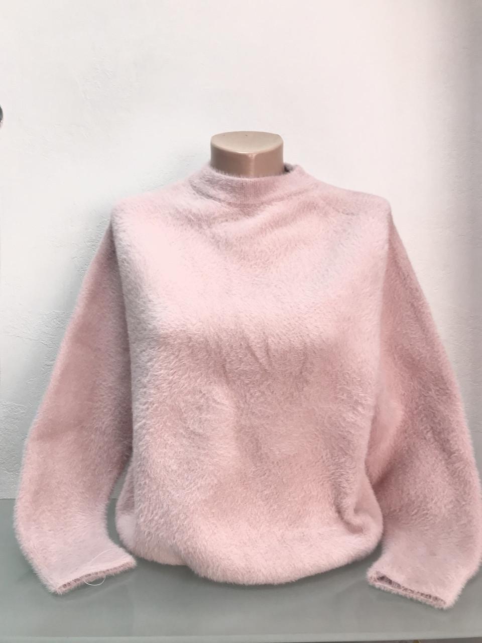 Свитер женский розовый ангора