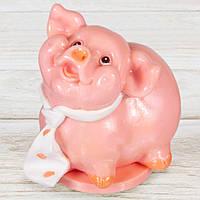 """Шоколадная фигура """"Свинка Мальчик"""" (розовый) КЛАССИЧЕСКОЕ сырье. Размер:115х95х125мм, вес 680г, фото 1"""