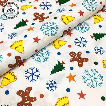 """Польская хлопковая ткань """"снежинки, колокола, елки, звезды цветные на белом фоне"""""""
