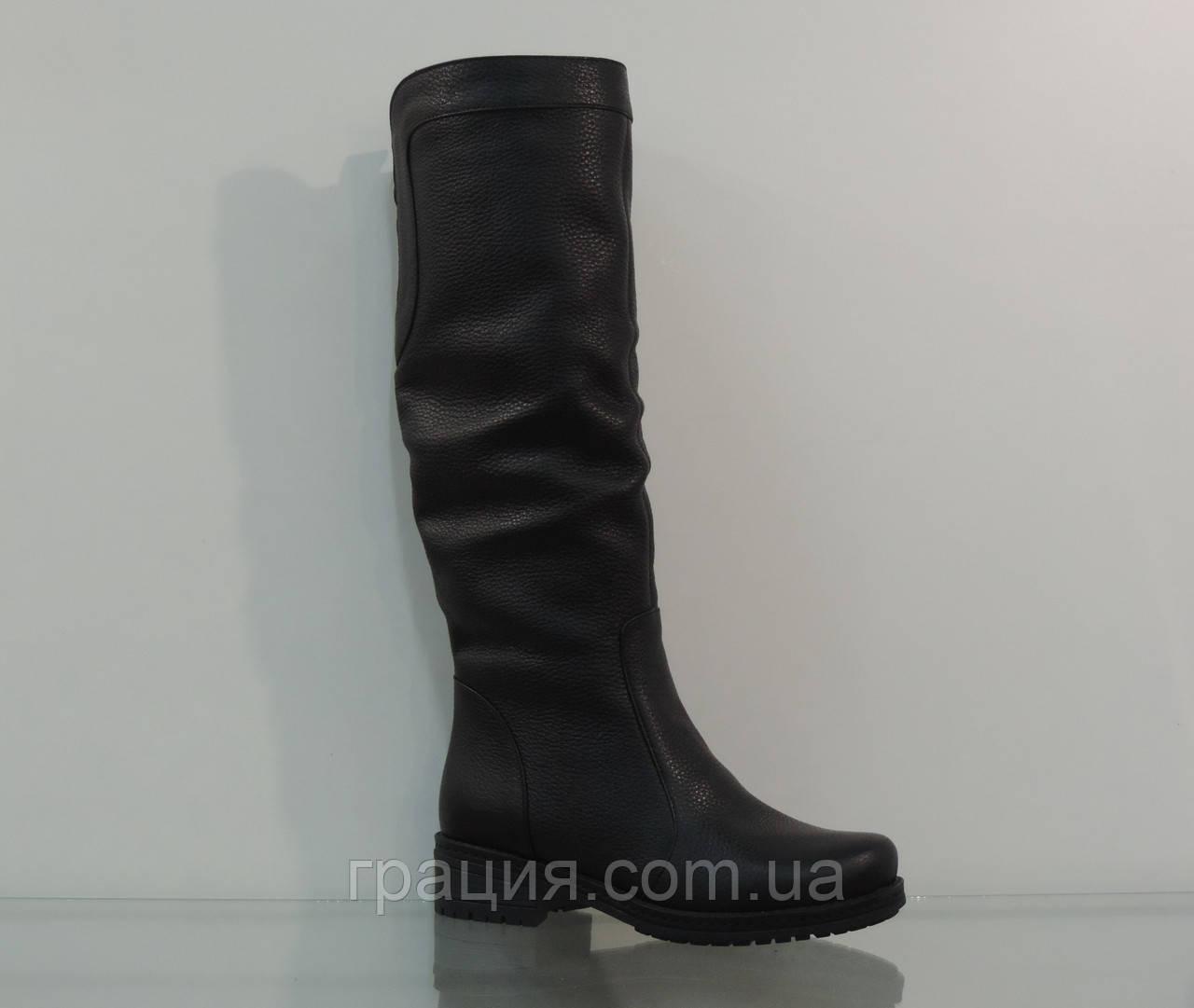 Зимние женские кожаные сапожки черные