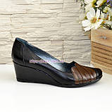 """Кожаные женские туфли с вставками из коричневой кожи на танкетке. ТМ """"Maestro"""", фото 2"""