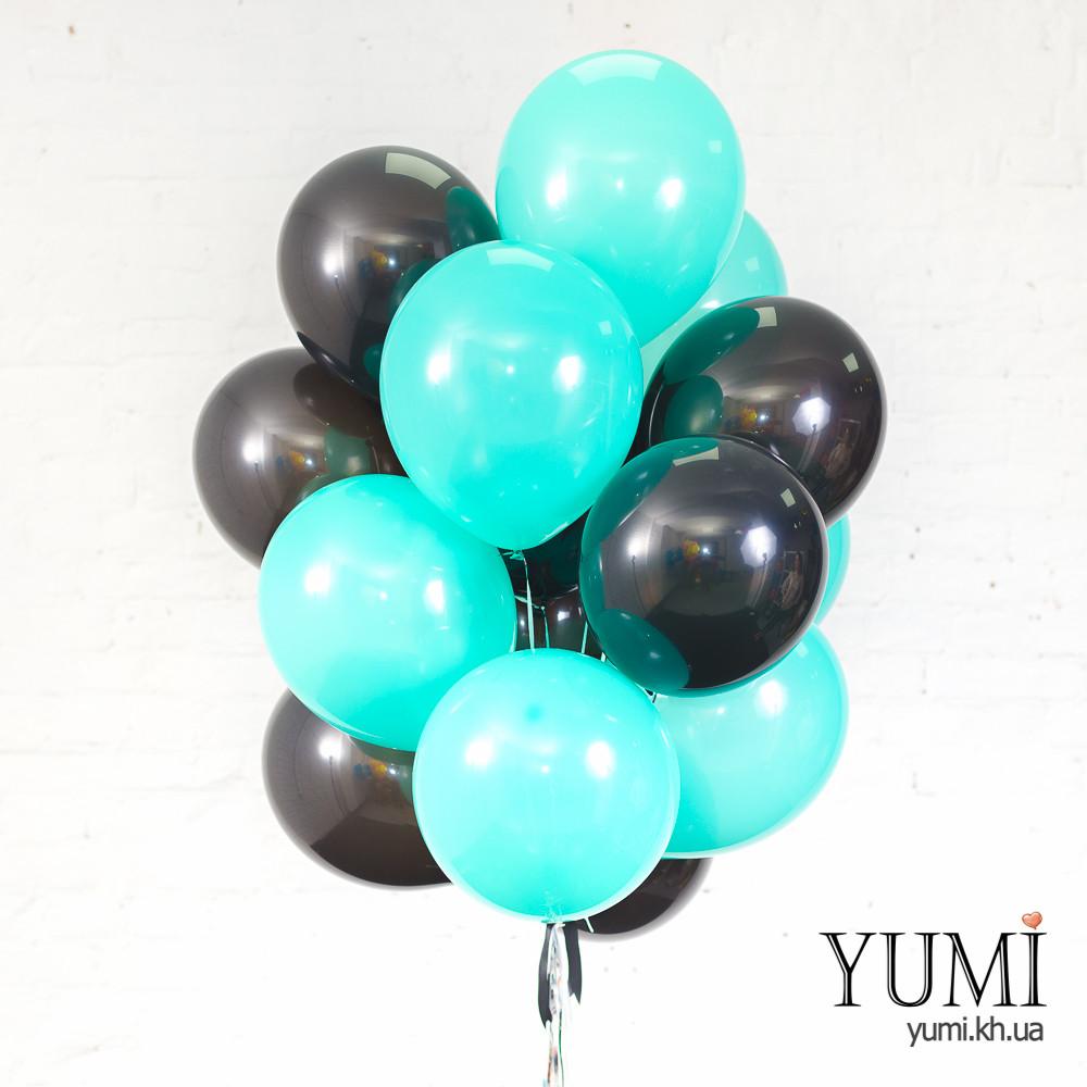 Связка из 8 черных и 7 мятных шаров