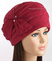 Теплая зимняя шапочка Линия красного цвета