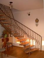 Лестница в доме художественная ковка