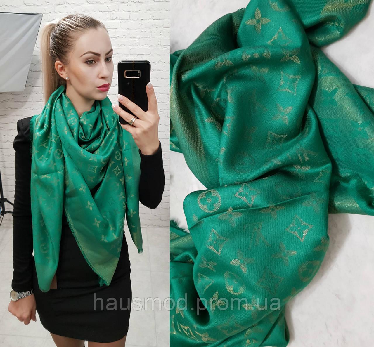 Люрексовый палантин-шаль реплика Louis Vuitton темно-зеленый вышит золотой нитью