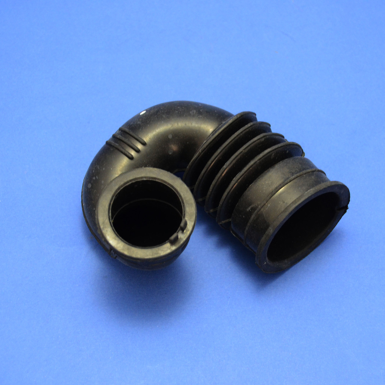 Патрубок (дозатор-бак) для стиральной машины Samsung DC67-00334A