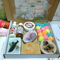 Косметический набор (мыла,сахарный скраб,крем для лица,молочко для лица,гидрофильное масло для умывания.)