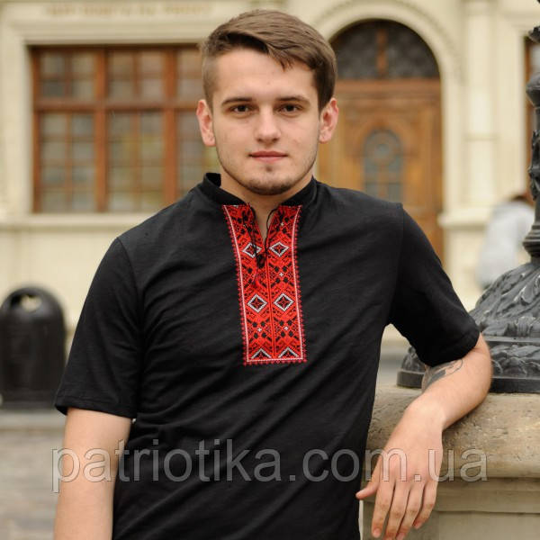 Стильна чоловіча вишиванка чорна з червоним   Стильна чоловіча вишиванка чорна з червоним