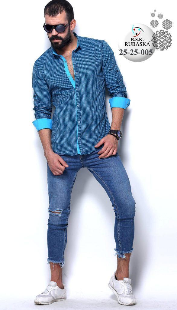Блакитна сорочка чоловіча