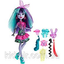Кукла Monster High Твайла (Twyla) из серии Electrified Монстр Хай
