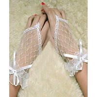 Белые кружевные короткие перчатки