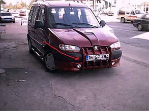 Накладка на передній бампер Ікла (під фарбування) Peugeot Partner