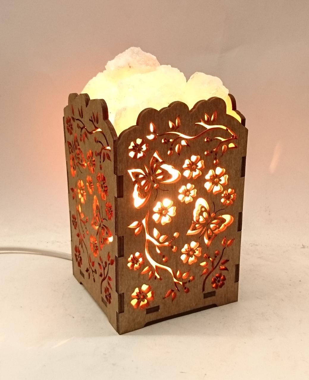 Соляной светильник деревянный Ветка с бабочкой с кристаллами соли