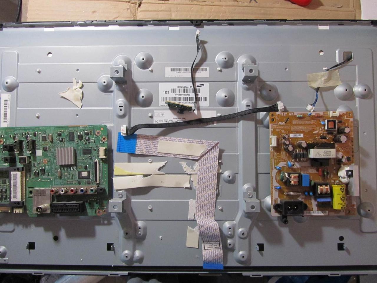 Запчасти к телевизору Samsung UE32EH4030W (BN41-01795A, BN44-00492A, T320XVN03.0)