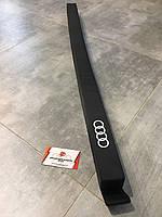 Разделитель гибкий универсальный AUDI, 8U0017238. Оригинал. Черного цвета., фото 1