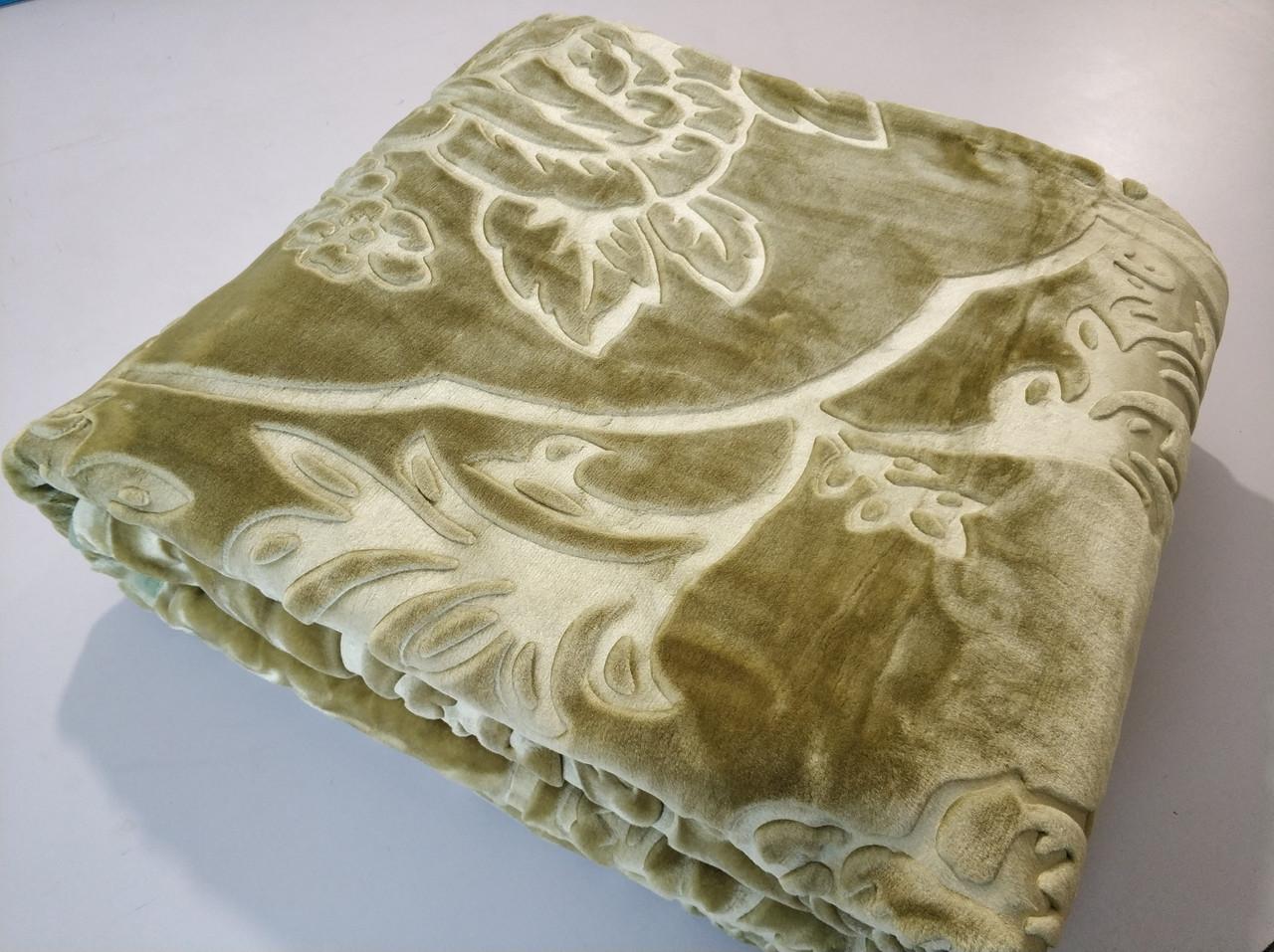 Плед акриловый ELWAY однотонный в оливковом цвете с тиснением