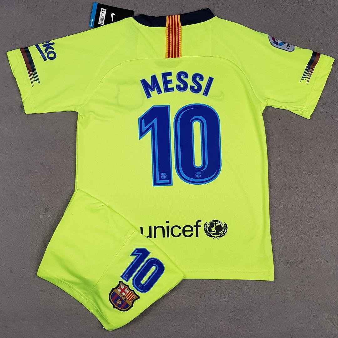 Детская Футбольная форма Барселона запасная салатовая Messi (Месси) сезон 2018-2019