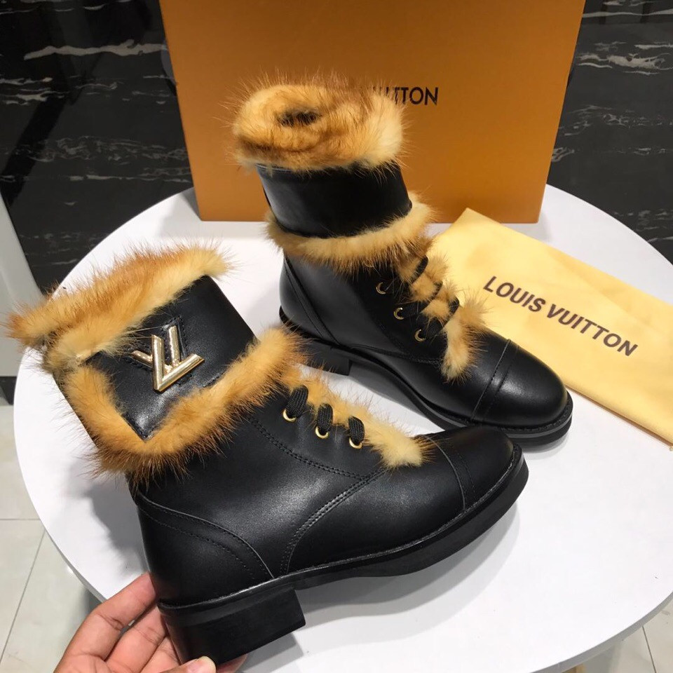 Женские Зимние ботинки Louis Vuitton  продажа, цена в Луцке ... 11b0b955593