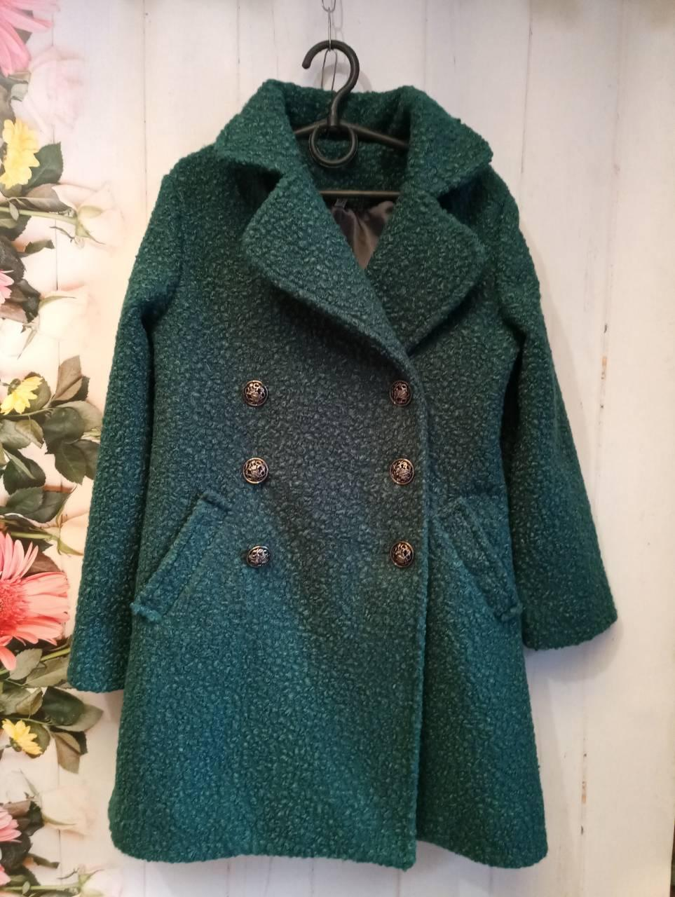 Пальто на девочку, р. 122-134, цвет зеленый