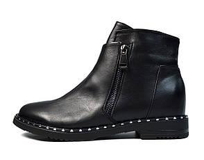 Черные осенние женские кожаные ботинки LONZA