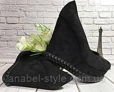Туфли замшевые черного цвета на танкетке снизу украшены косичкой Код 1792, фото 3