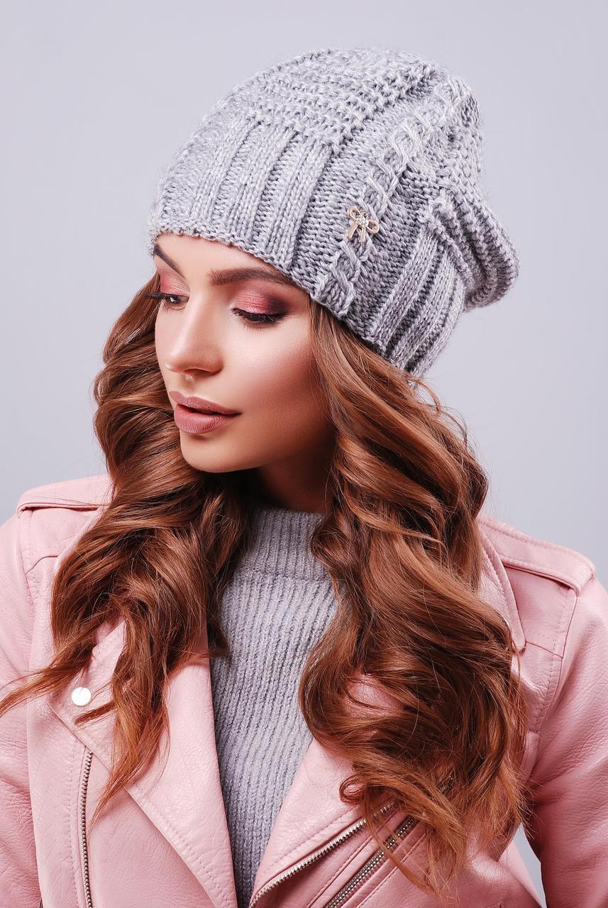 Модная женская вязаная шапка бини с бантиком темно-серая