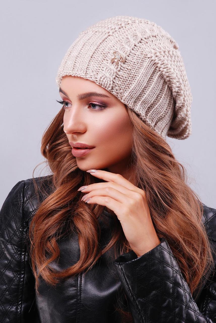 Модна жіноча тепла в'язана шапка-біні з візерунками колір капучіно