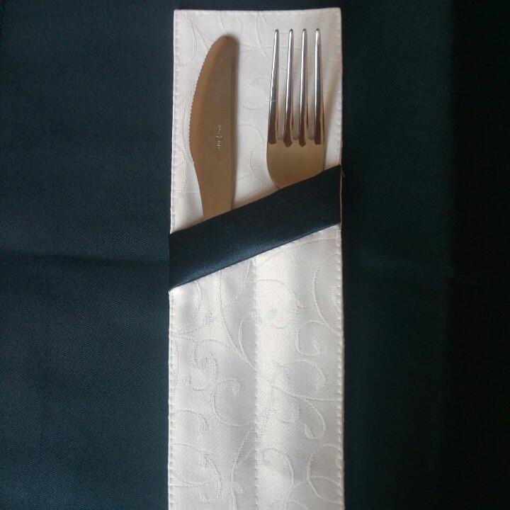 Куверт  (конверт) , на 2 прибора , ткань  Мати  рис.1812  белый с планкой тёмно-синей.