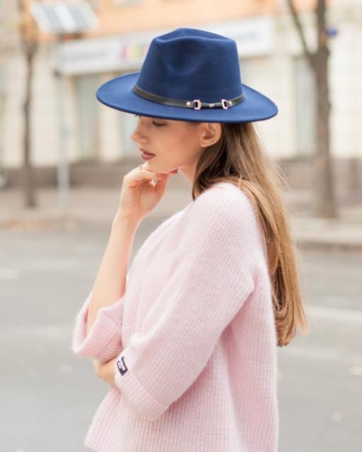 Женская осенняя шляпа синяя