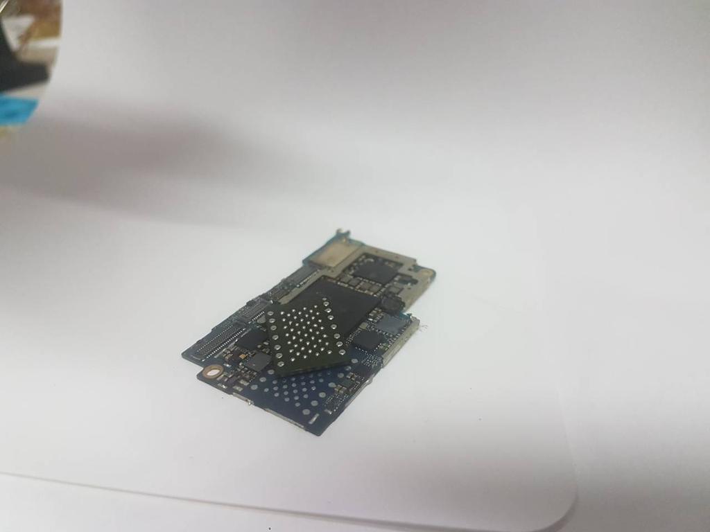 Замена памяти NAND Flash на iPhone 6