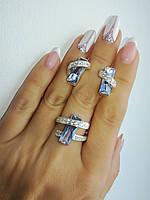 Женский серебряный гарнитур с фианитами