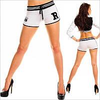 Спортивные белые женские шорты с нашивкой