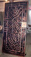 Двери металлические с коваными накладками.Возможна установка.
