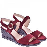 a67df35b9 Женские кожаные замшевые босоножки бордового цвета на платформе