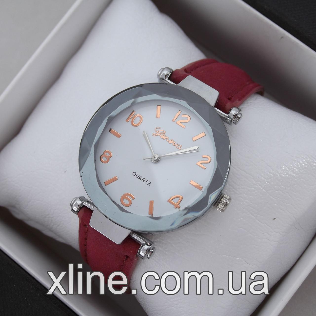 Женские наручные часы Geneva M164 на кожаном ремешке